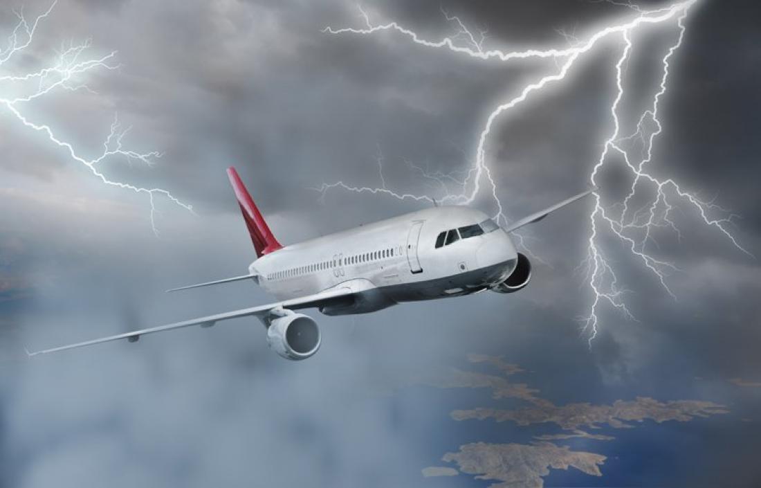 Rayos sobre aviones: simulación electromagnética