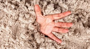 Licuefacción del suelo: las arenas movedizas de la simulación