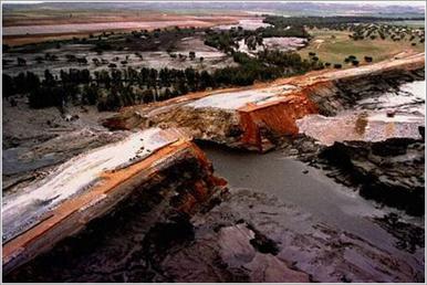 Rotura de la presa de Aznalcóllar